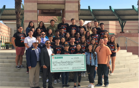 ERHS Receives Donation from 7-11 Franchisee Owner