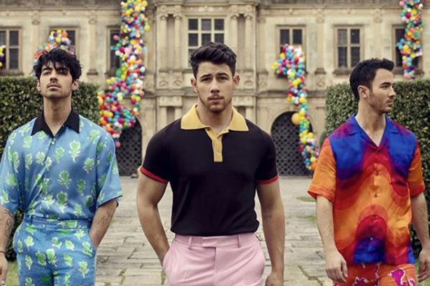 The Jonas Brothers are 'Burnin Up' a comeback!
