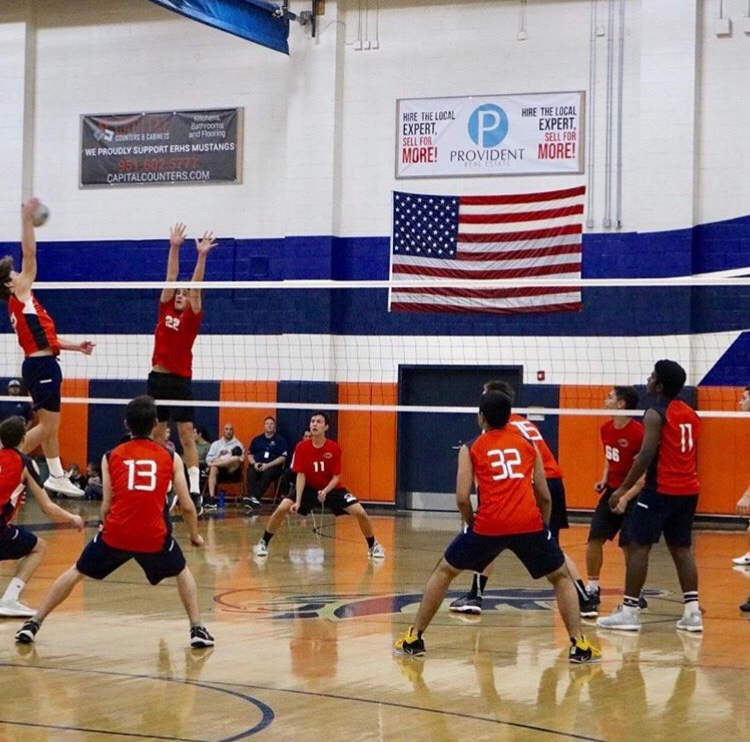 Boys Volleyball Clenches League Title and Makes History