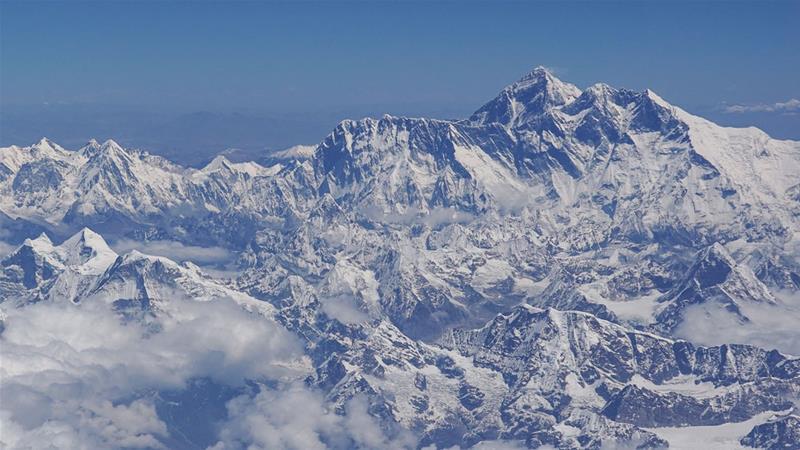American Climber dies climbing Mt. Everest