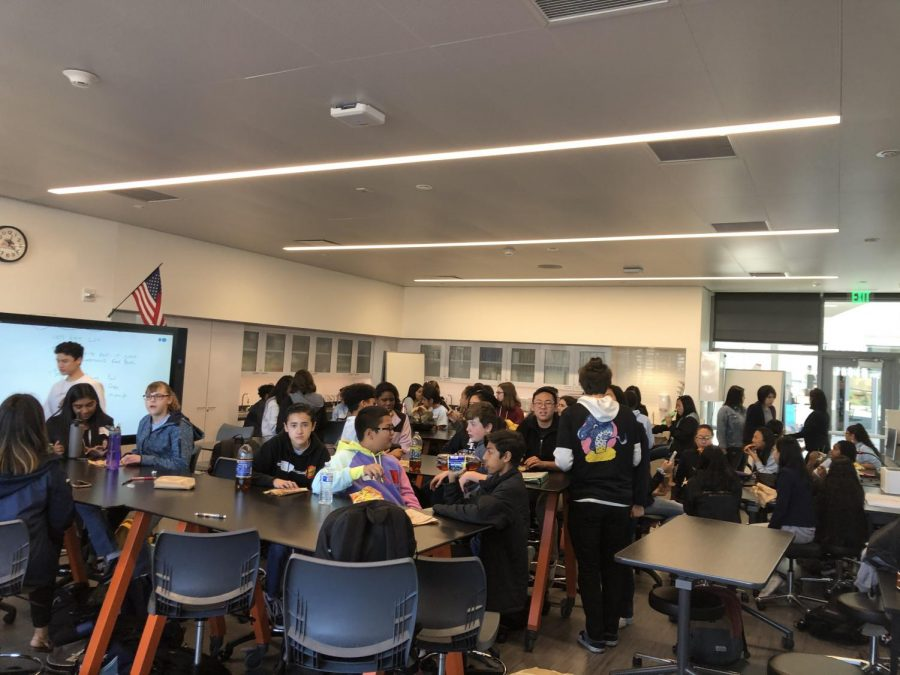 Photo of the lunch period before the beginning of the questions panel.