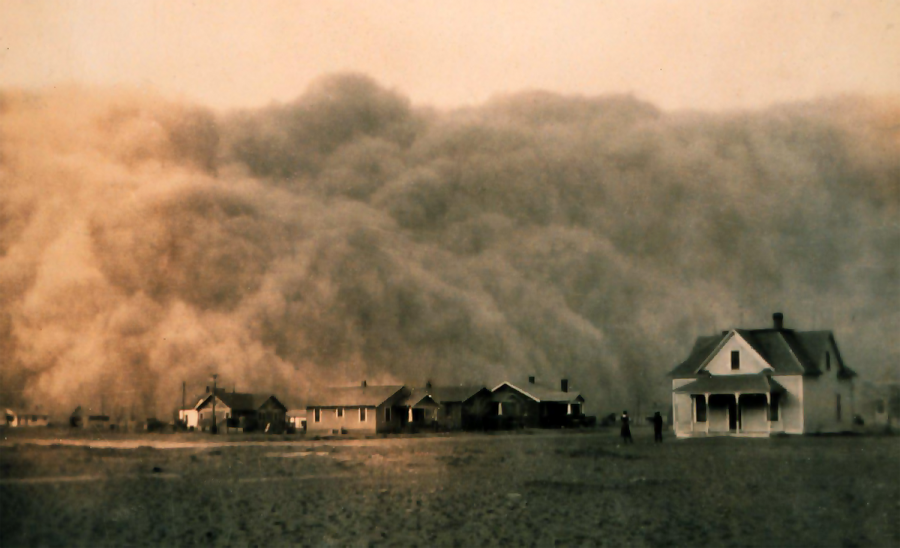 image of dust storm running over a Texas town.